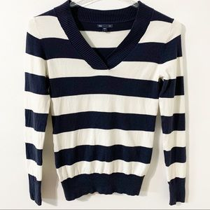Gap V-neck Striped Long Sleeve Sweater